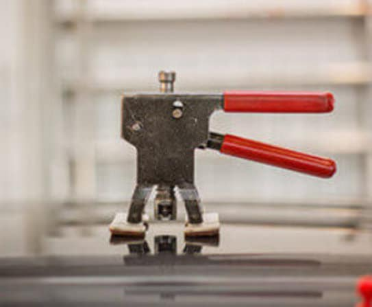 CARSTAR Wicklunds Liberty Paintless Dent Repair
